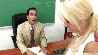 Tessa taylor hace que sea difícil para un profesor