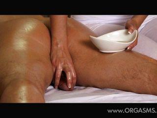 Hermosa busty masajista dar orgasmos