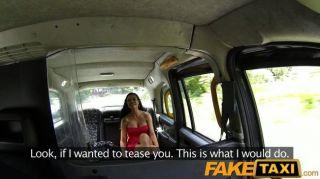 Faketaxi hot babe le encanta gallo taxi