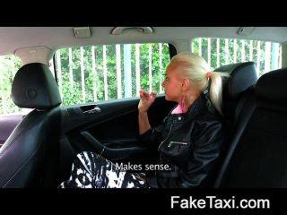 Faketaxi cada mujer tiene un precio