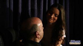 Anita seduce y folla a su profesor de música