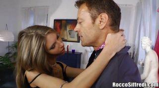 Rocco siffredi analiza una bailarina