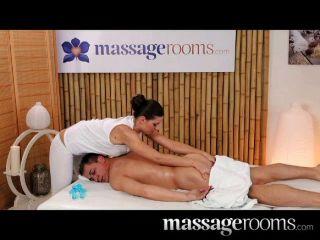 Salas de masaje grandes tetas naturales