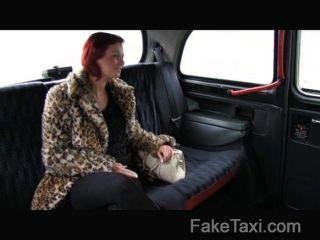 Faketaxi cliente se follan por dinero en efectivo