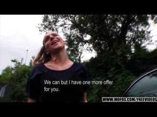 Chica checa natural es pagada por sexo