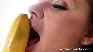 Daphne sabe como un plátano