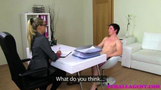 Femaleagent milf causa eyaculación masiva