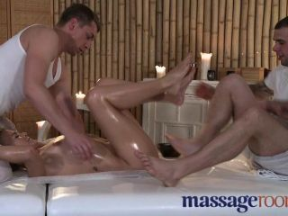 Salas de masaje inocente rubia