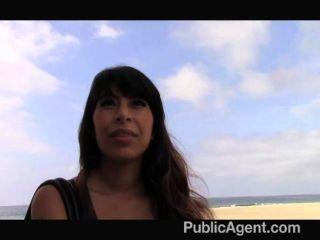 Publicagent latina babe se folla por bbc