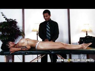 Sexy ceo Morena folla a su masajista
