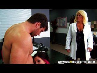 Asistente médico es atrapado por los pacientes de mierda