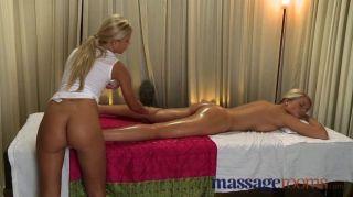 Salas de masaje chicas con pies perfectos