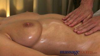 Salas de masaje grandes tetas naturales oleadas