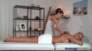 Salas de masaje impresionante rubia tiene orgasmos