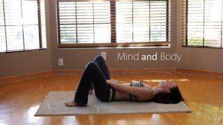 Películas nubiles yoga se convierte en coño y jugar culo