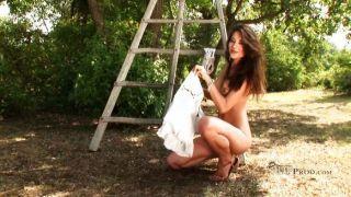 Lorena es el jardinero más caliente de la historia