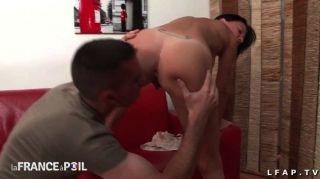 Sexy milf francés obtiene su culo clavado