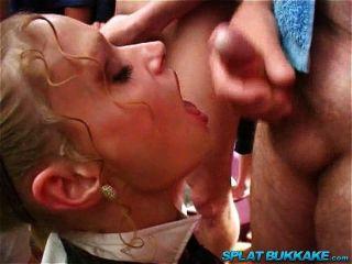 Bebés británicos en uniforme escolar bukkake fiesta