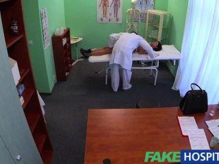 Fakehospital paciente extranjero sin salud