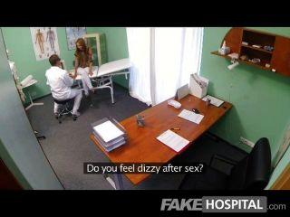 Fakehospital espiar a la niña caliente