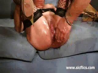 Puta de la cuadrilla puño cerrado perra del rimming