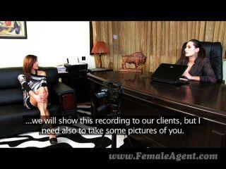 Femaleagent listo para nuevas experiencias sexy