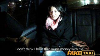 Faketaxi babe jodido por el taxista