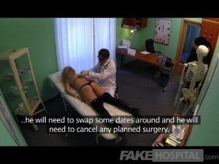 Fakehospital engañando rubia chupa y mierda