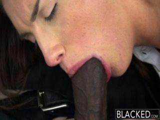 Modelo real negro con tetas perfectas ama polla negra