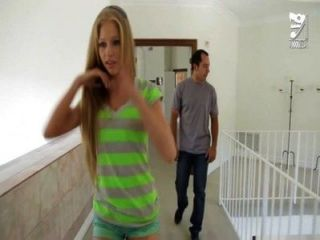 Baby sitter mexicano folla jóvenes adolescentes blonde avril hall !!!