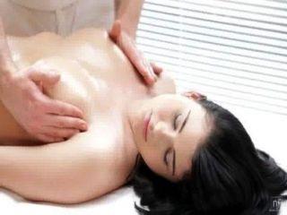 Películas nubiles masaje sensual se convierte en mierda caliente