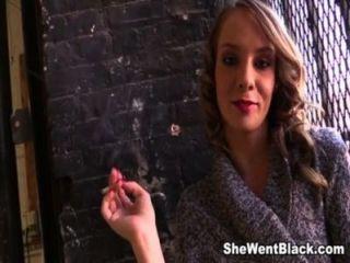 Teen beckie lynn creampied por 5 pollas negras (parte 1)