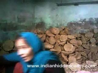 Indio pareja sexo follando en el sitio de construcción en Mumbai