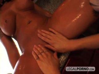 Dos lesbianas cachonda mojarse en la cocina pb 3 04