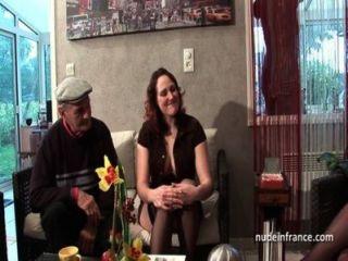 Ffm dos morena francesa compartir un viejo hombre polla de voyeur papy