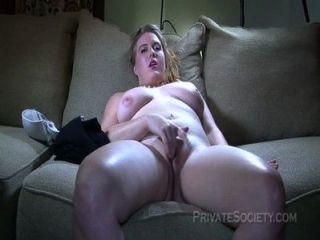 Hermosa rubia prueba porno