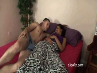 Hermano y hermana compartiendo cama terminó en gran joder