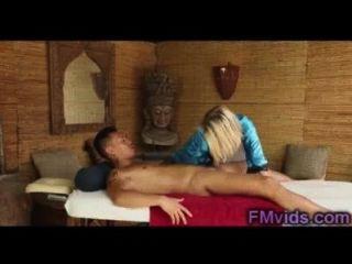 Sexy rubia dakota skye con chico asiático