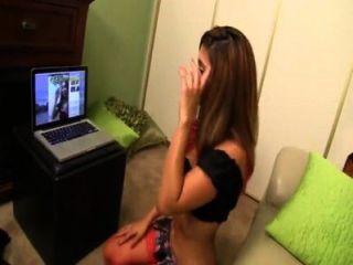 Hermano coge cielo reena hermana en webcam le da un handjob