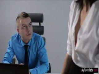 Sexy secretaria sheri vi seduce a su jefe y lo folla