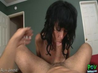 Desagradable milf alia janine toma dick en estilo pov