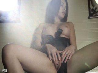 Linda chica adolescente masturbándose