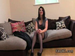 Aficionado británico anal follada en el casting por agente falso
