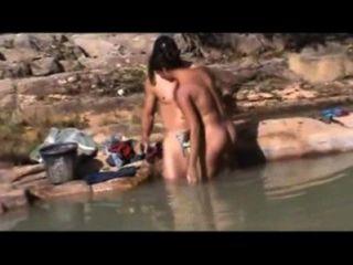Sexo al aire libre brasileño en el río bahia
