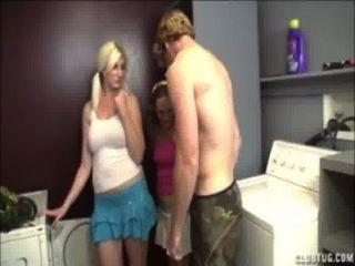 Doble mano en el lavadero