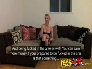 Fakeagentuk sucia chica caliente euro en el casting anal