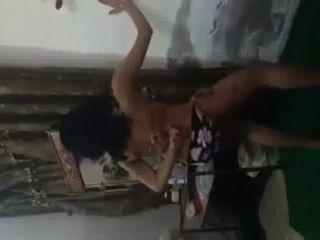 Desi bailando