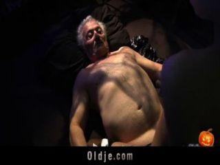 Feliz sexo alloween noche para abuelo