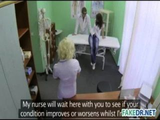 Horny asistente hits en su paciente