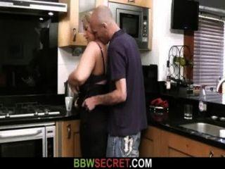 Hombre casado lame y folla su coño gordo